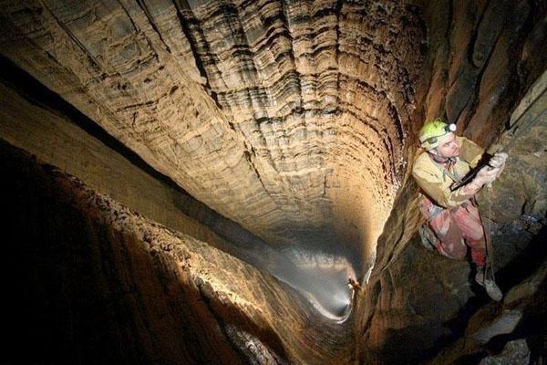 krubera-cave-3[1]