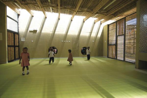 escola-feita-de-bambu-na-colombia-crianças-blog-usenatureza