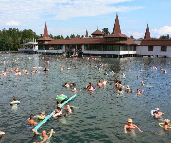 maior-lago-termal-lake-heviz