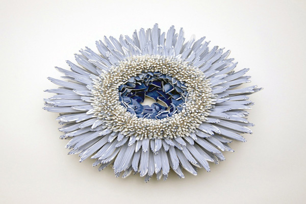 Blue-White-porcelain-shards-flower_1