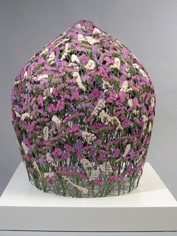 artista-cria-escultura-com-flores-blog-usenatureza