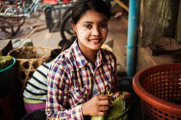 fotografa-capta-a-beleza-de-diferentes-mulheres-myanmar-blog-usenatureza