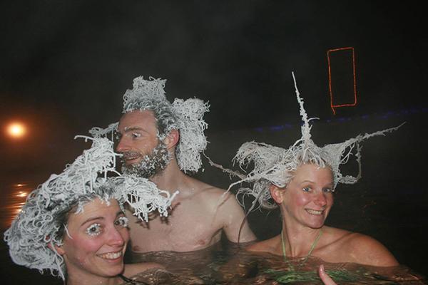 cabelos-congelados-em-aguas-quentes-trio-blog-usenatureza