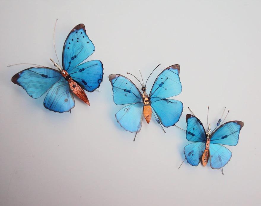 belos-insetos-feitos-de-pecas-de-computador-borboletas