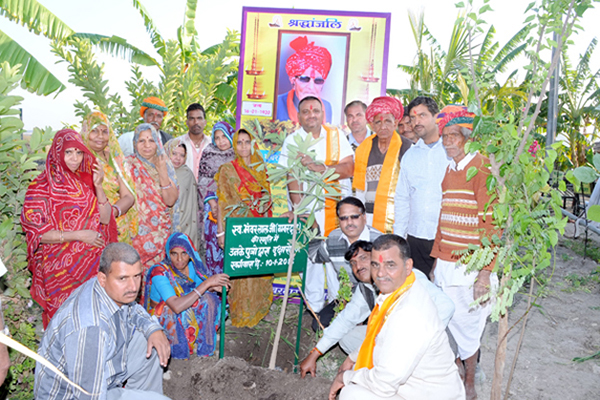 vila-na-india-celebra-o-nascimento-de-meninas-plantando-100arvores-blog-usenatureza