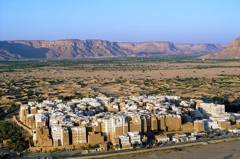 as-casas-de-barro-super-altas-da-peninsula-arabica-blog-usenatureza