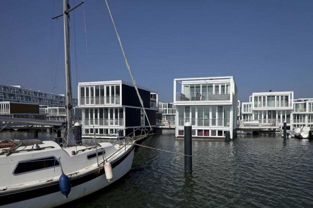 as-casas-flutuantes-holandesas-noite-blog-usenatureza