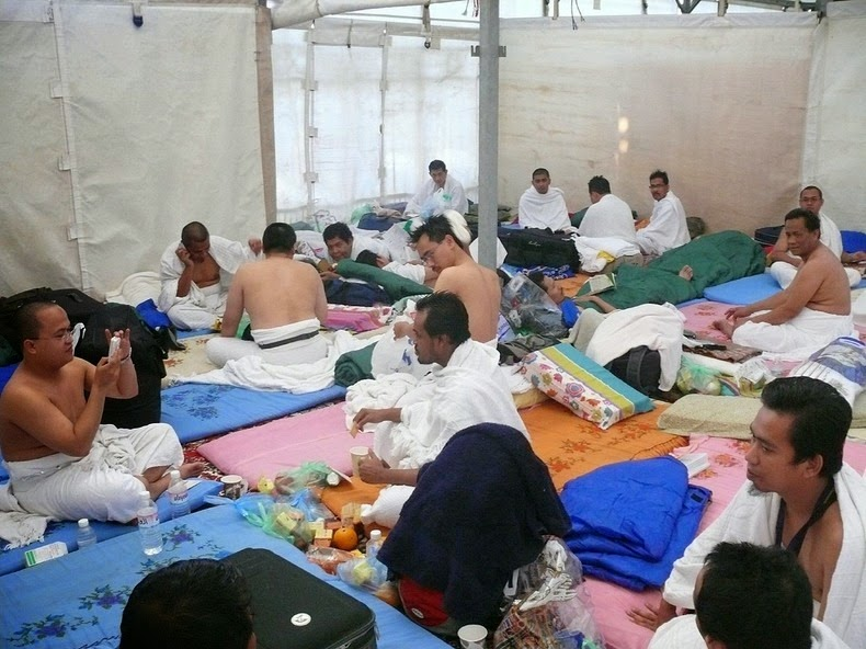 a-cidade-das-barracas-na-arabia-saudita-homens-blog-usenatureza