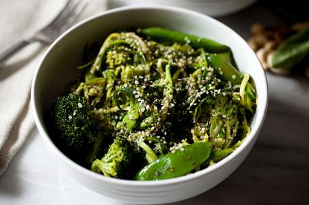 espaguete-abobrinha-com-brocolis-natural-blog-usenatureza