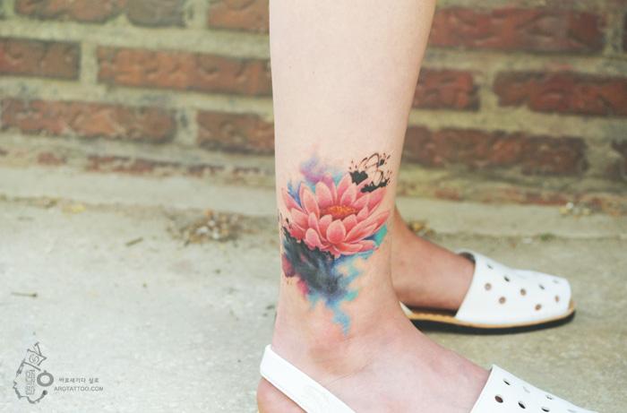 tatuagens-florais-parecem-pinturas-em-aquarela-ar-tattoo-blog-usenatureza