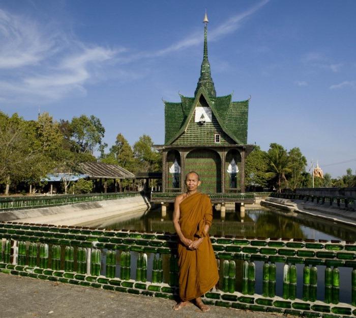 templo-budista-construido-com-15-milhao-de-garrafas-tailandia-blog-usenatureza