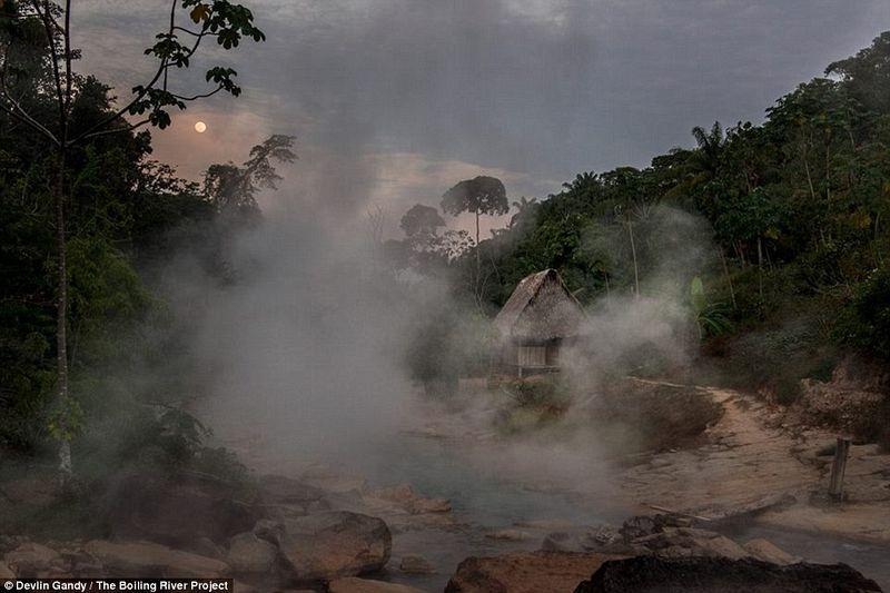 um-rio-que-chega-a-100-graus-na-floresta-amazonica-ruzo-blog-usenatureza
