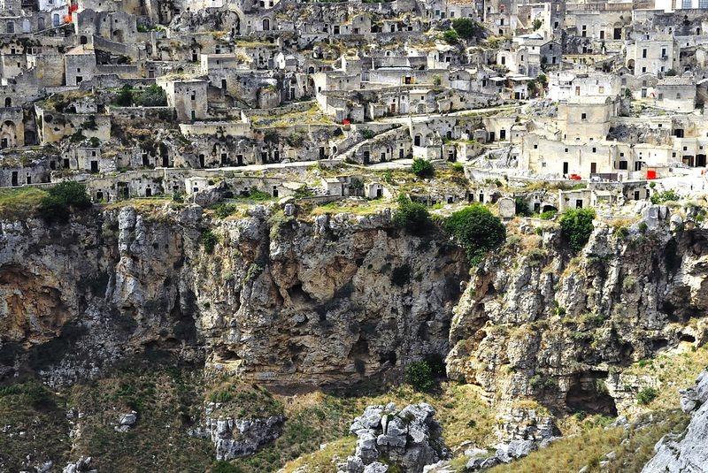 a-cidade-das-casas-caverna-sassi-blog-usenatureza
