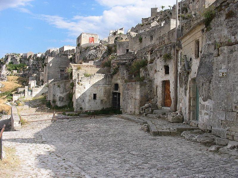 a-cidade-das-casas-caverna-sassi-matera-blog-usenatureza