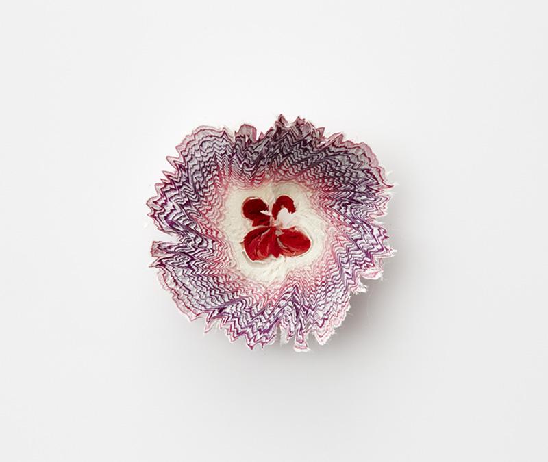 artista-transforma-papel-em-delicadas-flores-blog-usenatureza