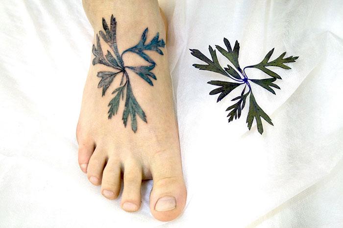 artista-usa-folhas-de-plantas-para-fazer-tatuagem-rita-blog-usenatureza