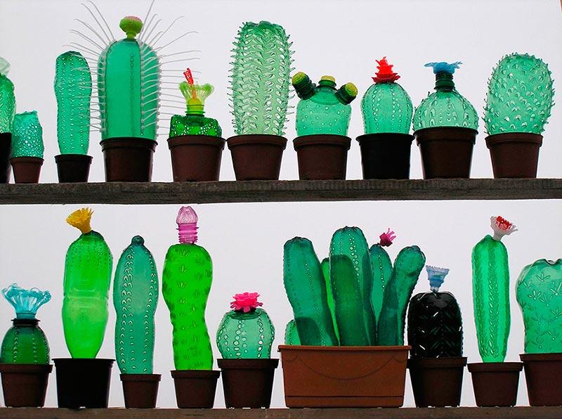 artista-e-suas-obras-com-garrafas-pets-eco-blog-usenatureza