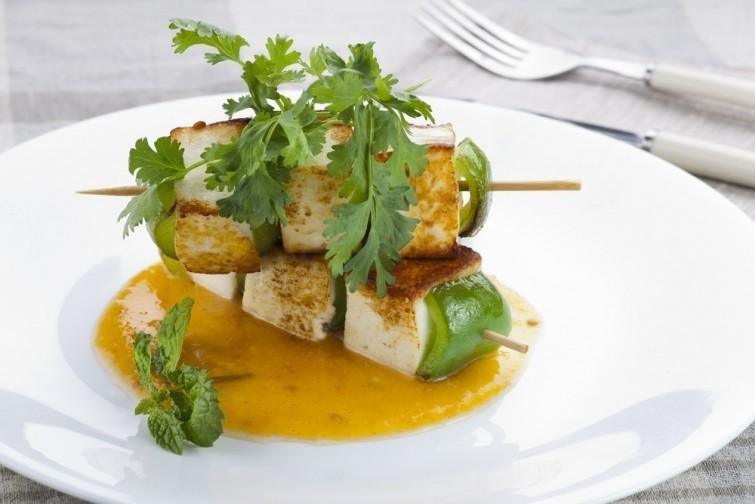 deliciosos-espetinhos-de-tofu-e-vegetais-pronto-blog-usenatureza