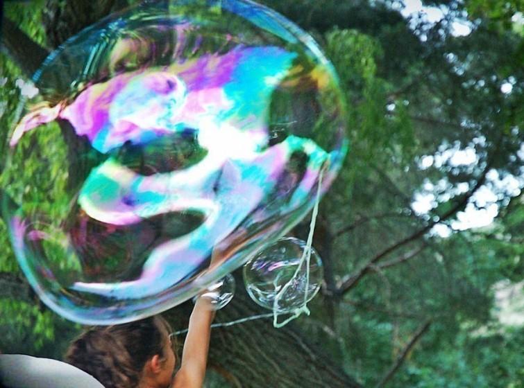 fazendo-bolhas-de-sabao-gigantes-blog-usenatureza